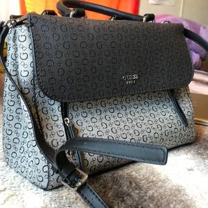 Guess purse. Crossbody strap